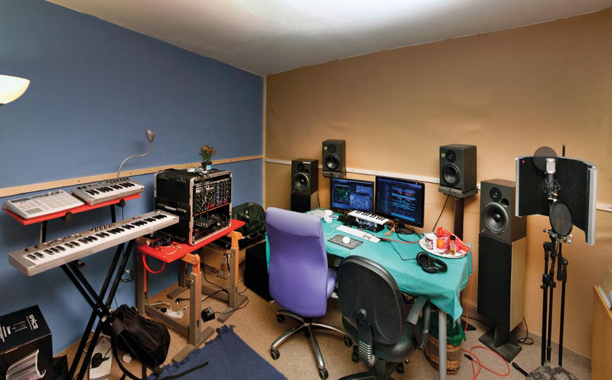Alex Holmes Studio Before