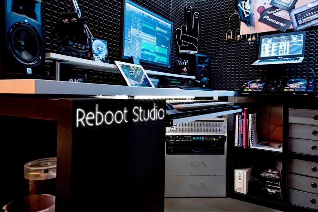 germano dee bee amazing studio