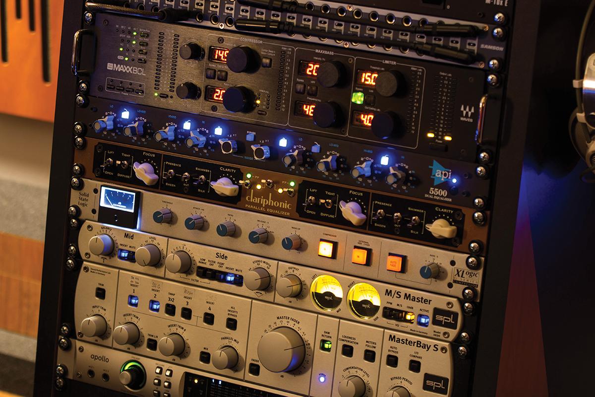 Driftmoon Studio Outboard