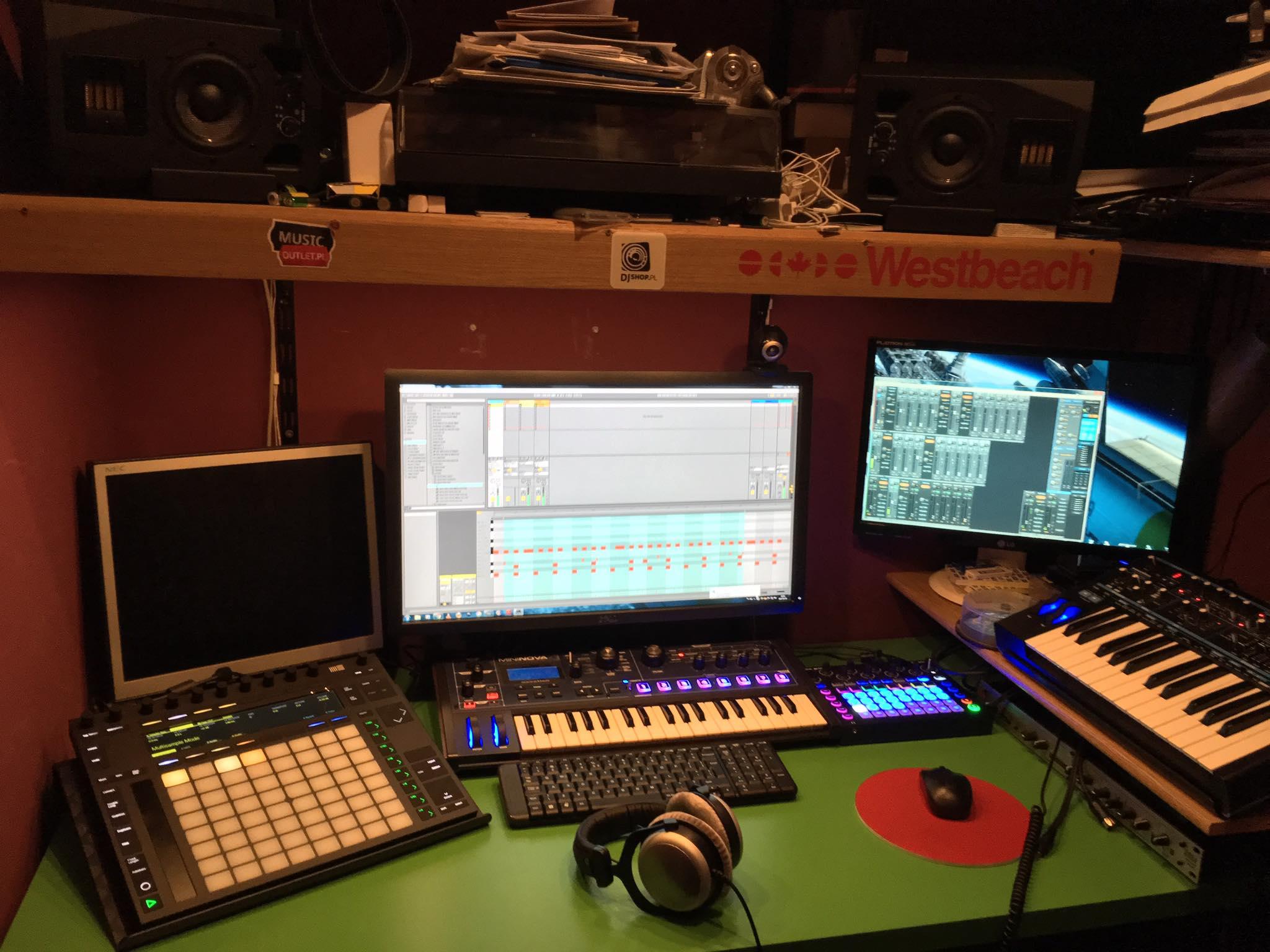 extraordinary studios 1
