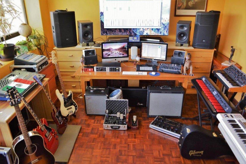 reader studios