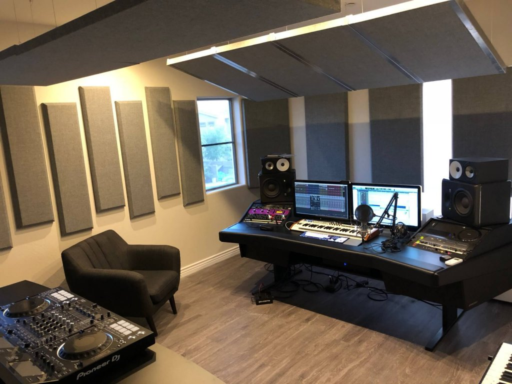 August 2018 Reader Studios