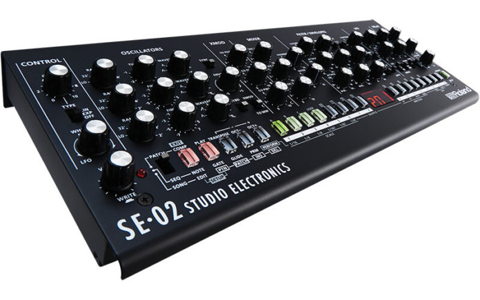 6 of the Best Hardware Synths - Roland SE-02
