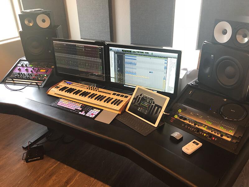 Jeremy Wilson - Studio close up
