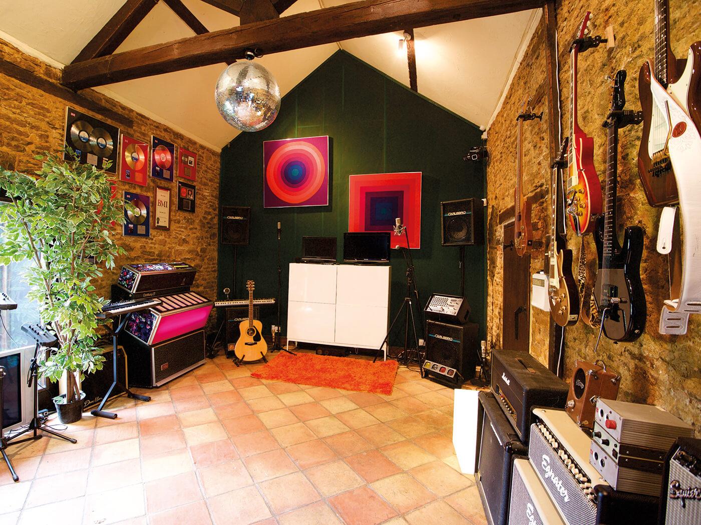 Gary Stevenson, studio