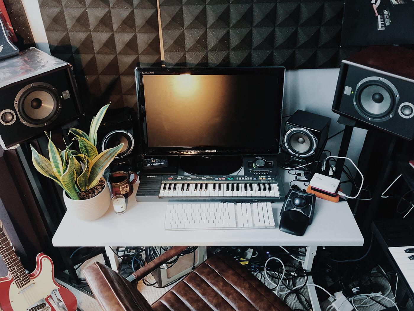 Alexander Archer, home studio