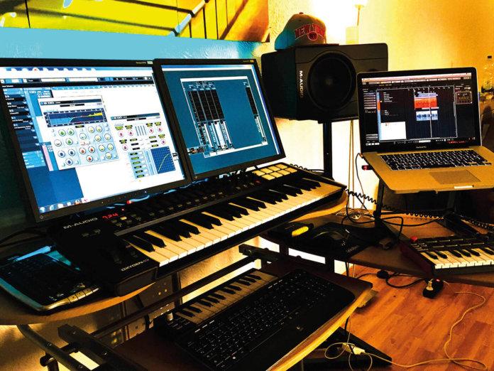 Show Off Your Studio, Komay Alshoufi
