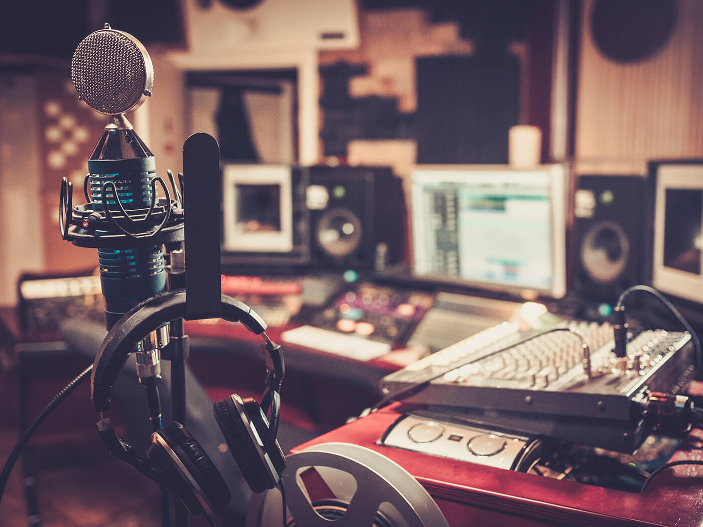 10 tips and tricks on running a virtual studio