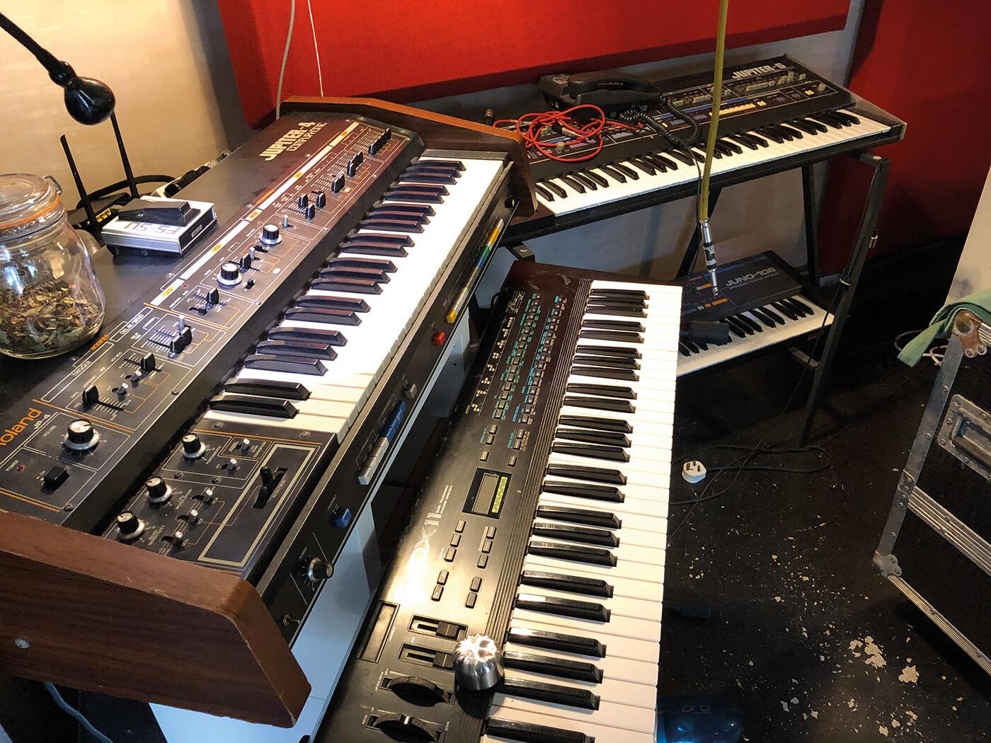 Steve Osborne on blurring genres with Happy Mondays - MusicTech