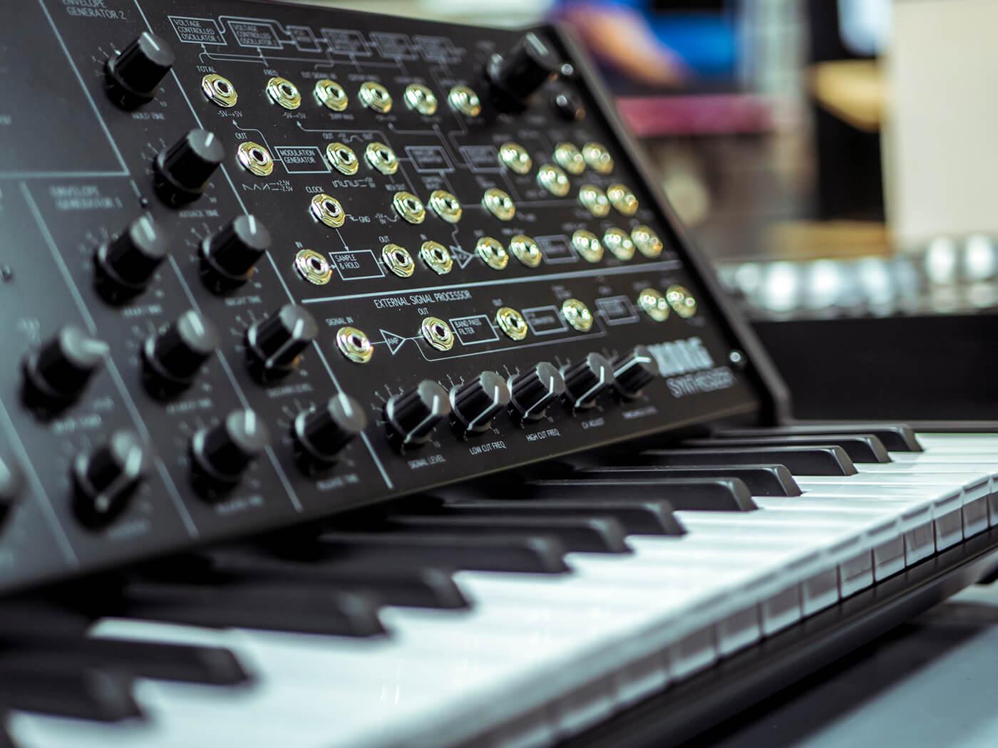 analogue synthesizer keyboard