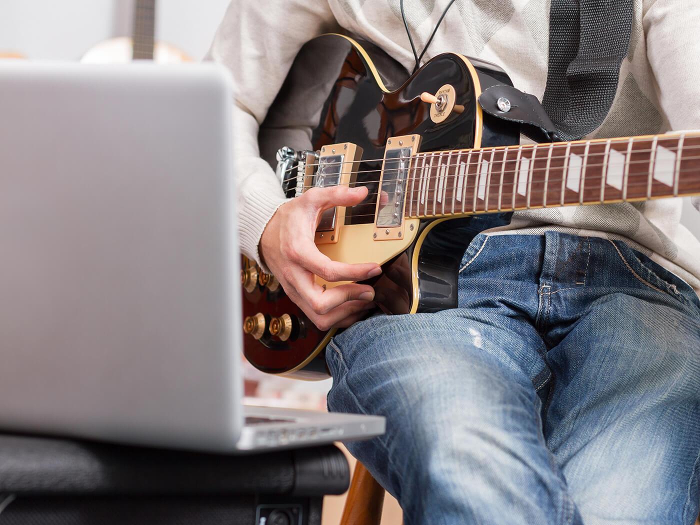 Học guitar tại gia trong mùa dịch với chương trình mới từ Gibson