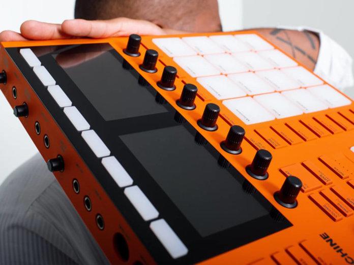 Native Instruments Limited-Edition Flame Orange Maschine