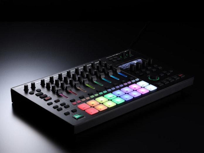 Roland MC707