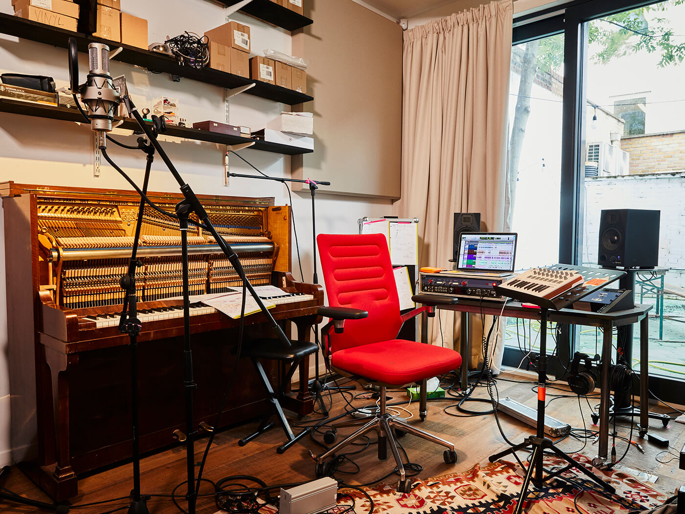 Alev Lenz (Studio)