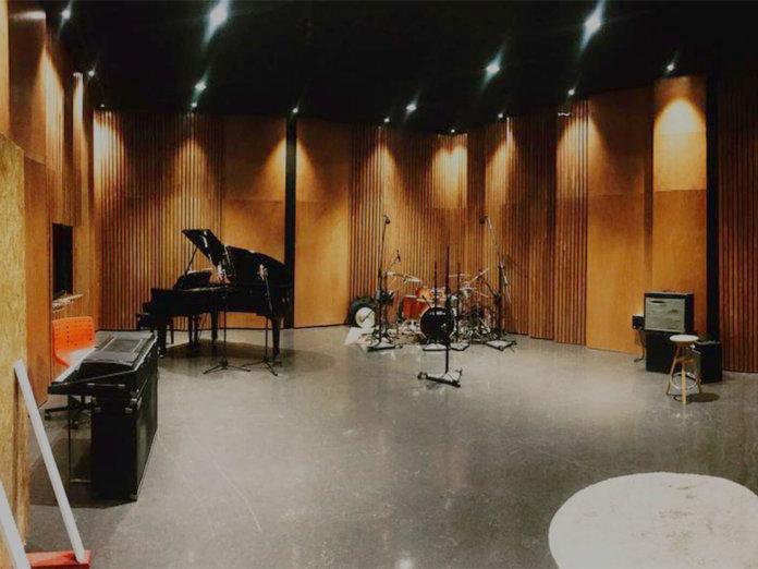 Alt Studio 1400x1050
