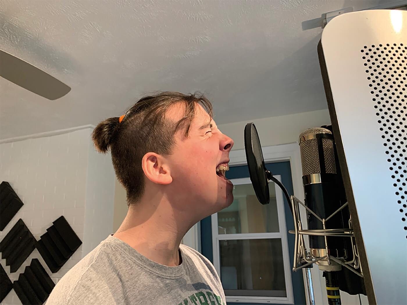 MT207 Studio One Recording Vocals 4