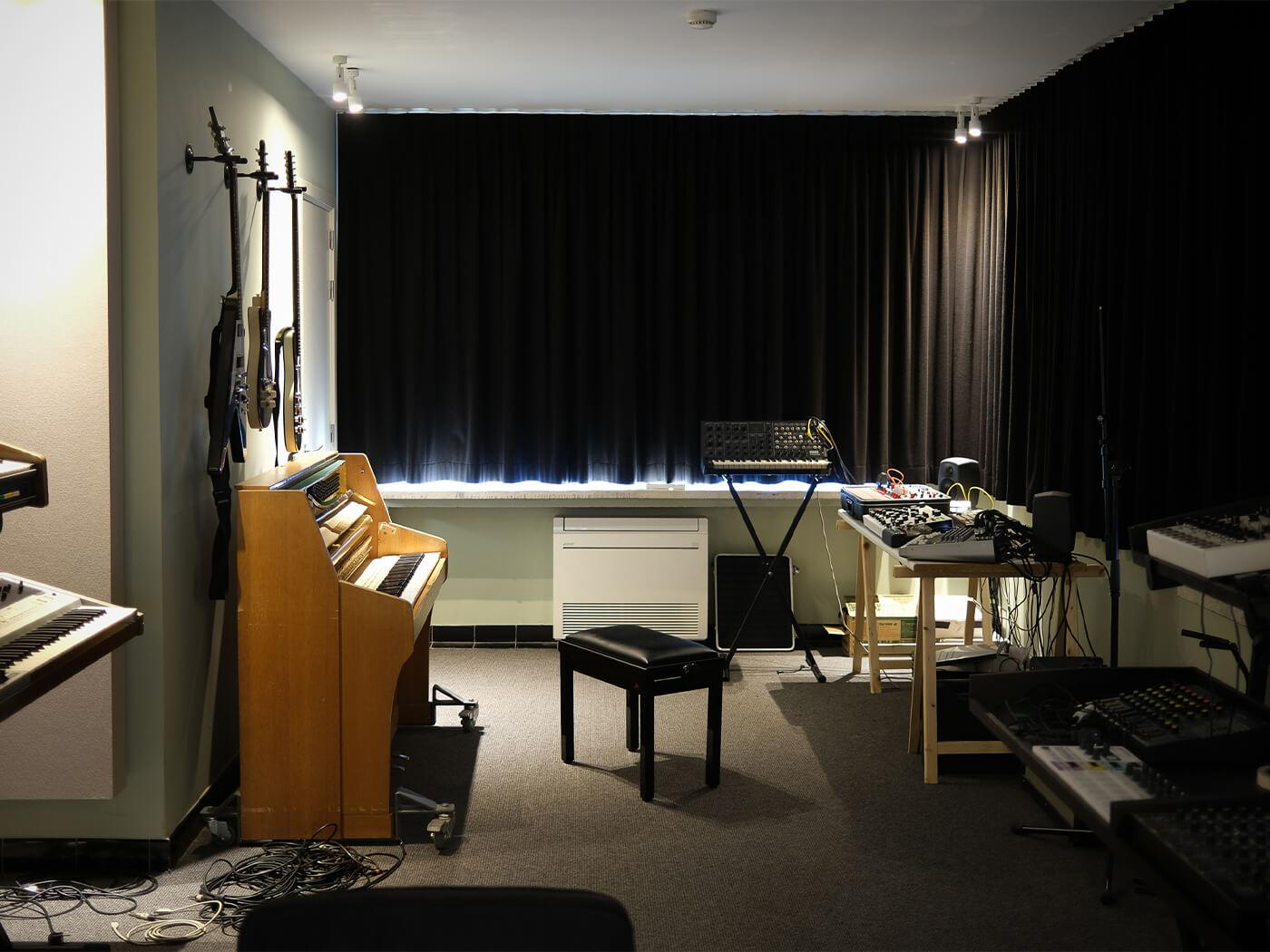 https://www.musictech.net/features/studios/show-off-your-studio-goose-safari-studios/