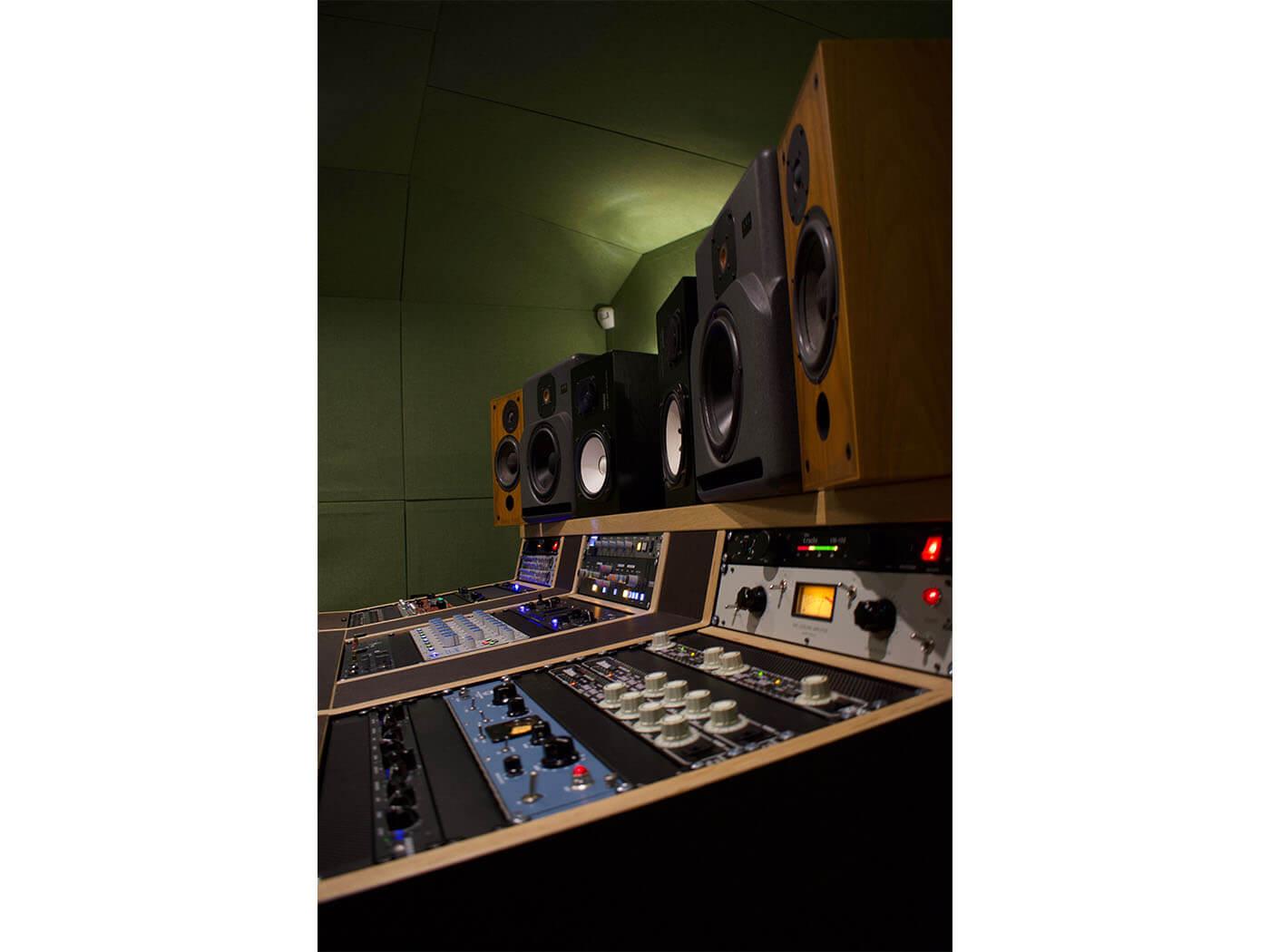 Geoff Swan studio