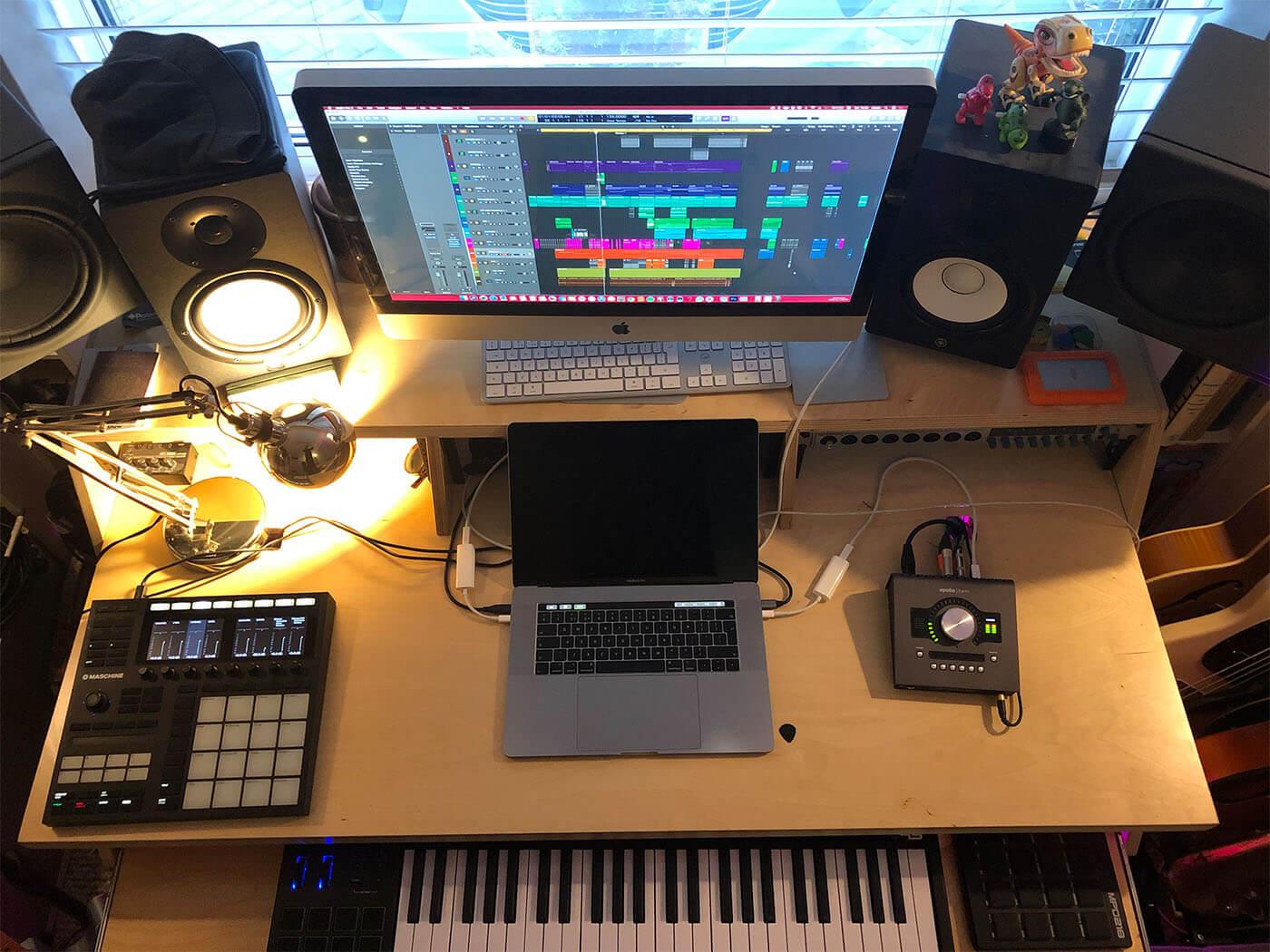 Noisy Show Off Your Studio