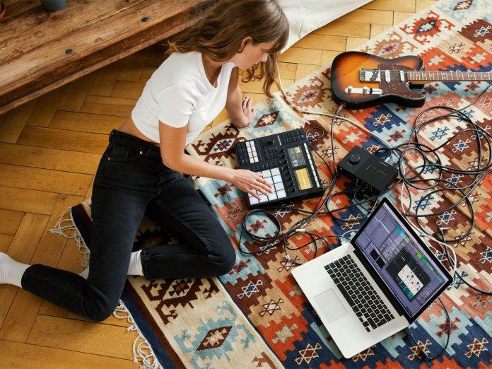 Native Instruments Maschine laptop