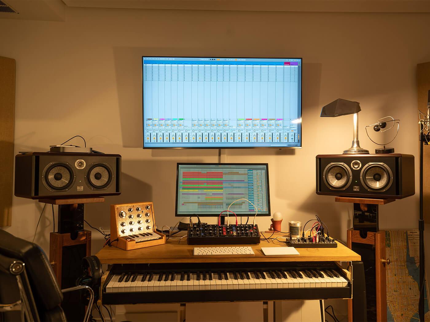 Saycet studio desk