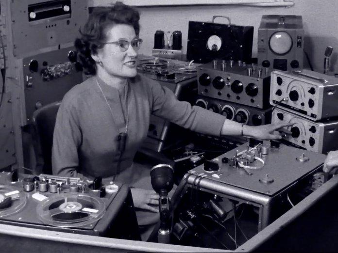 Sisters With Transistors screengrab