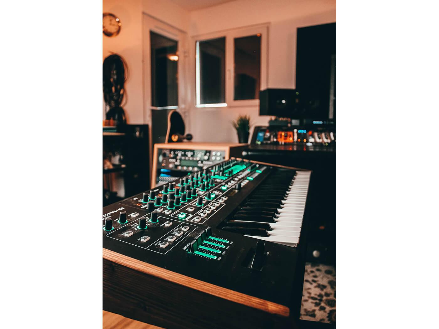 Jon Maguire Studio System-8