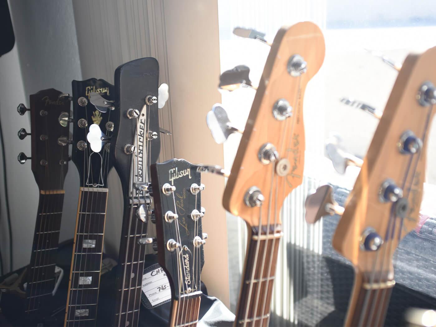 Obli Studio guitar