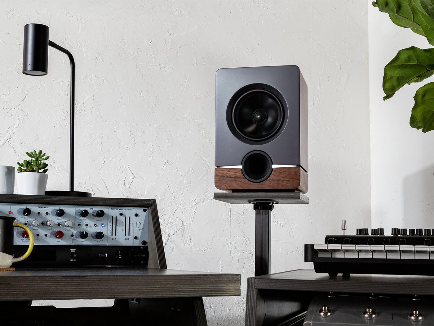 Output Frontier Monitors