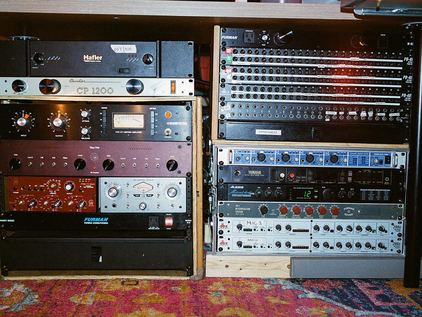 Show Off Your Studio - bad tuner's effects rack