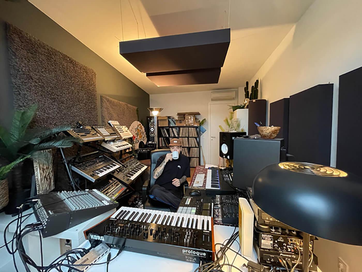 Demuja's Studio