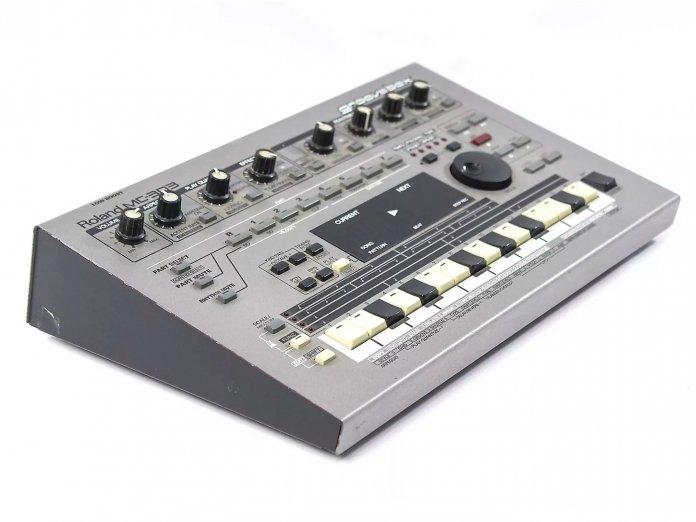 Roland MC-303 Groovebox 3 Qtr