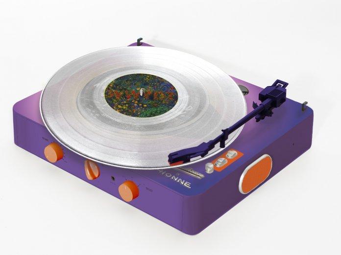 HONNE x Gadhouse Brad Retro Record Player Exclusive Set